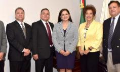 Toma Celida López protesta a nuevos funcionarios del Ayuntamiento