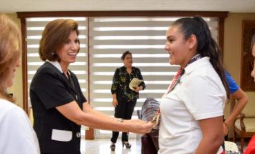 Recibe Alcaldesa a Campeonas Nacionales en Paralimpiadas