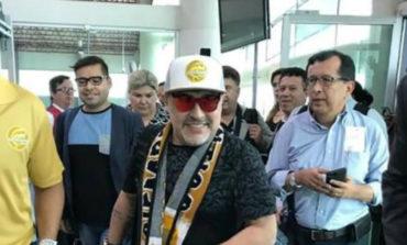 ¡No quieren a Maradona! Vecinos del fraccionamiento donde viviría impiden que entre camión de la mudanza