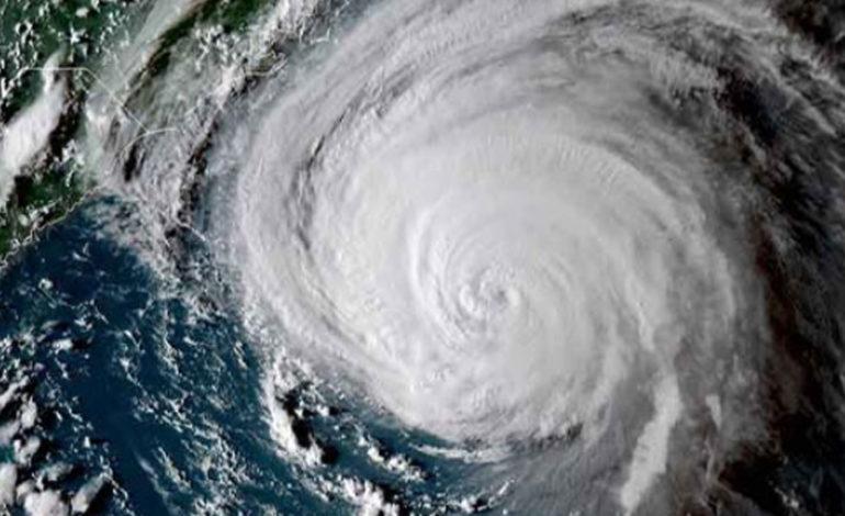 """""""Florence"""" toca tierra como huracán categoría 1"""