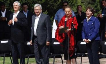 López Obrador y Del Mazo montan guardia de honor en Edomex