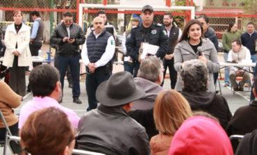 Visitan la alcaldesa Celida López y funcionarios municipales colonia San Isidro