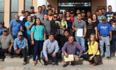 Presenta Luis Manuel Valenzuela Ayala su registro, como aspirante a secretario general del sindicato único de trabajadores del ayuntamiento