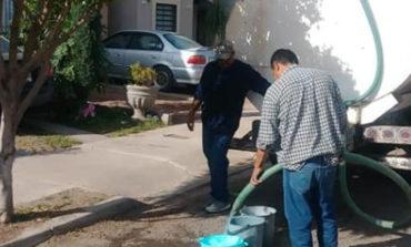Apoyan OOMAPASC abastecimiento de agua con pipas