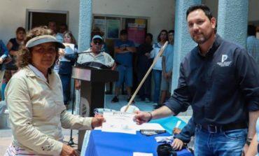 Entrega Alcalde Kiko Munro material para el mejoramiento de vivienda