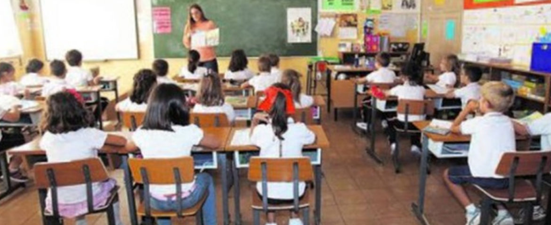 Más de 42 mil estudiantes recibieron becas y estímulos económicos en un año