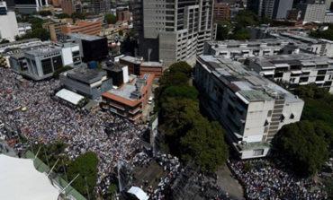 Miles De Venezolanos Toman Las Calles Contra Maduro