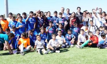 Entrega Sylvana Beltrones obra de Unidad Deportiva en Colonia La Mesa de Nogales