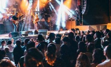 Caifanes complace a sus fans en evento privado