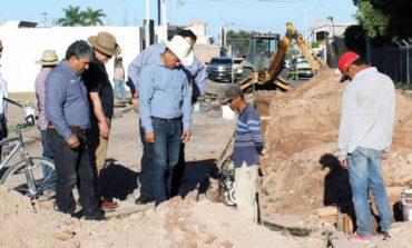 Supervisa Ramón Díaz obra de drenaje en la colonia Ibarra