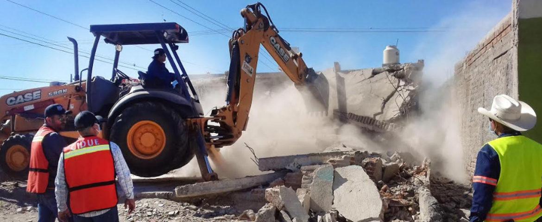 Derriban construcción en ruinas de la colonia López Portillo