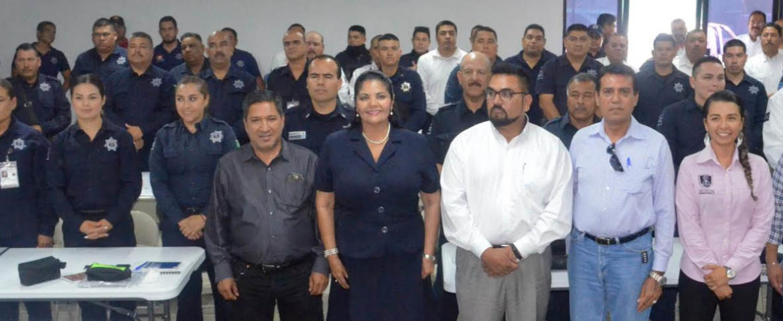 Inician cursos policías municipales