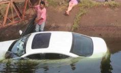 Se Precipita Vehículo A Canal, En Cócorit