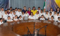 Visitan Palacio Municipal estudiantes de Guaymitas