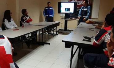 Reciben Paramédicos De Cruz Roja Capacitación Sobre Manejo De Tanques De Oxígeno