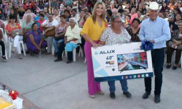 Festeja ayuntamiento a las mamás huatabampenses