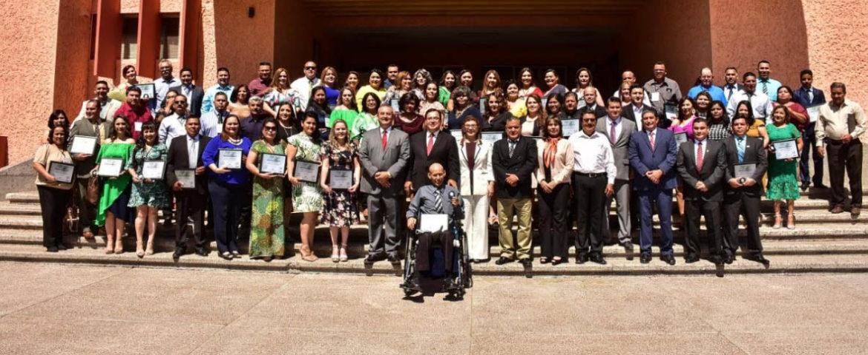 Reconocen Ayuntamiento Y Sec A Maestros De Cajeme Por 20 Años De Servicio