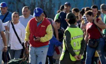 Venezuela reabre cruce fronterizo con Colombia