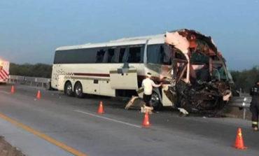 Sufre accidente carretero la Orquesta del 'Chino' Medina; hay 20 heridos