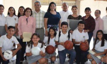 """Entregan material deportivo a Escuela Secundaria General #2 """"Marco Antonio Armenta Corral"""""""