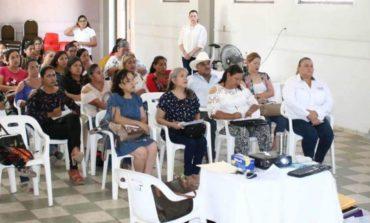 DIF ofrece capacitación de orientación alimentaria y huertos escolares a encargadas de la cocina en escuelas