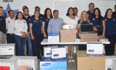 Realizan entrega de material a departamento de Prevención del Delito por medio de Fortaseg