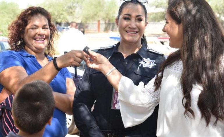 Alcaldesa Celida López entregó ocho patrullas nuevas a vecinos de La Cholla y Los Arroyos