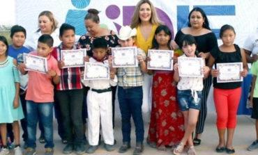 Señora Sagrario Montaño clausura cursos en centro comunitario Creciendo Sano en Pozo Dulce