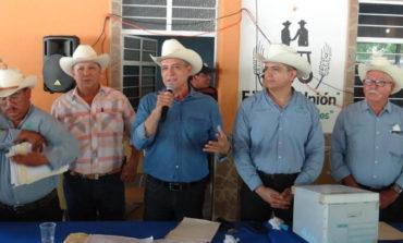 Presidente Ramón Díaz acude a toma de posesión de la nueva directiva del comisariado ejidal La Unión