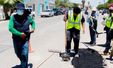 Aplica Gobierno municipal 59 toneladas de asfalto frío a base de polímero para mejorar la infraestructura vial de Puerto Peñasco