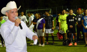 Presidente Ramón Díaz inaugura estatal de futbol primera fuerza