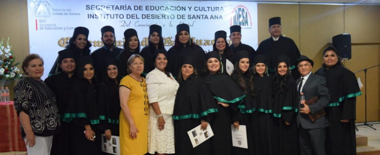 Felicita alcaldesa a egresados de Licenciaturas y Posdoctorado de IDESA