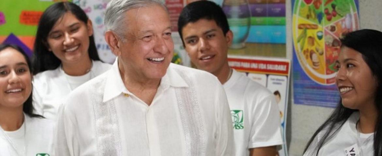 Atención a jóvenes, clave para serenar al país: presidente AMLO