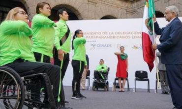 Presidente anuncia becas a atletas paralímpicos; reconoce deuda de gobiernos con deportistas