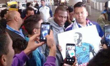 Cruz Azul le cumple el sueño a Bryan Angulo