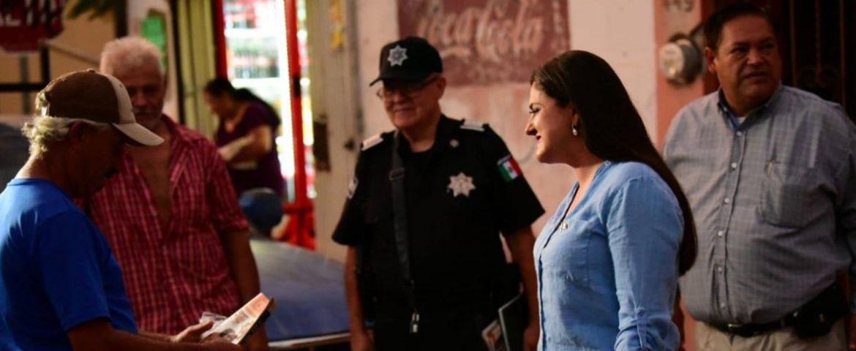 Celida López comparte con vecinos pormenores de su primer informe