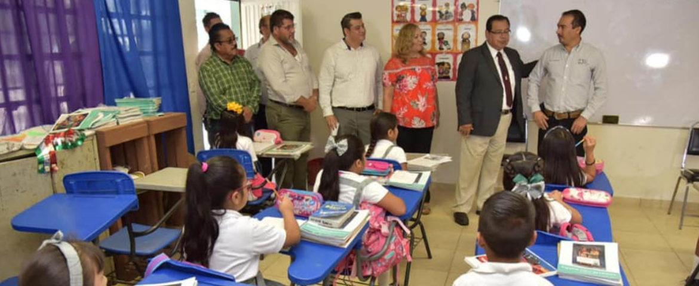 """Promueve Alcalde Valores Patrios En Alumnos De Escuela Primaria """"Lázaro Cárdenas"""" De Quetchehueca"""