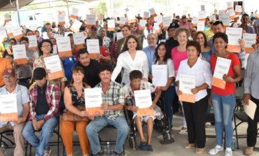 Entrega alcaldesa Celida López 292 títulos de propiedad de lotes habitacionales