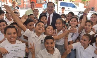 """Promueve Alcalde Valores Patrios En Alumnos De Escuela Primaria """"Melchor Ocampo"""" Y Entrega Obra Con Carácter Social"""