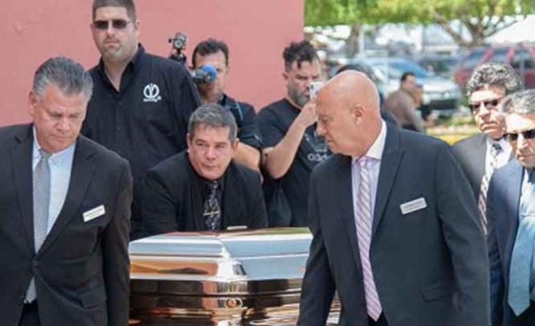 Recurso legal impedirá cremación de José José por 48 horas