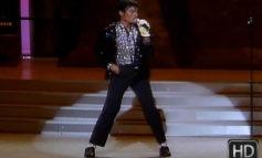 Subastan calcetines con los que Michael Jackson hizo el moonwalk