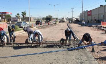 Sustituyen asfalto por concreto en tramo de avenida de los Yaquis