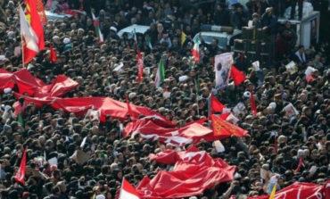 """""""Los atacaremos"""" claman iraníes en último homenaje a Soleimani"""