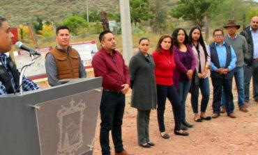 Inaugura Sara Valle obras de agua, alcantarillado y electrificación en la 18 de Noviembre