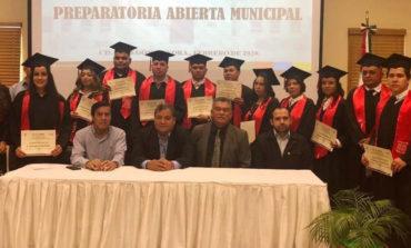 Reconocen A Graduados De La Sexta Generación De Preparatoria Municipal