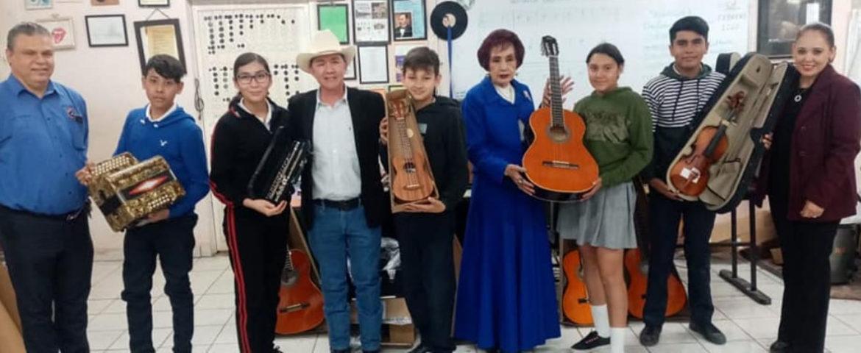 Entrega APALBA Y Diputado Raúl Castelo Instrumentos Musicales En Secundaria José Rafael Campoy