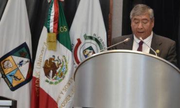 Diputado Lázaro Espinoza, presenta informe de la diputación permanente en el Congreso Local