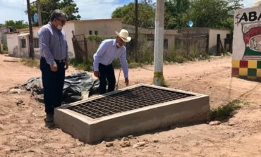El presidente municipal, supervisó los trabajos de revestimiento de calles, rehabilitación del sistema de drenaje