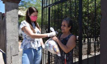 DIF Nogales entrega becas y despensas a familias vulnerables