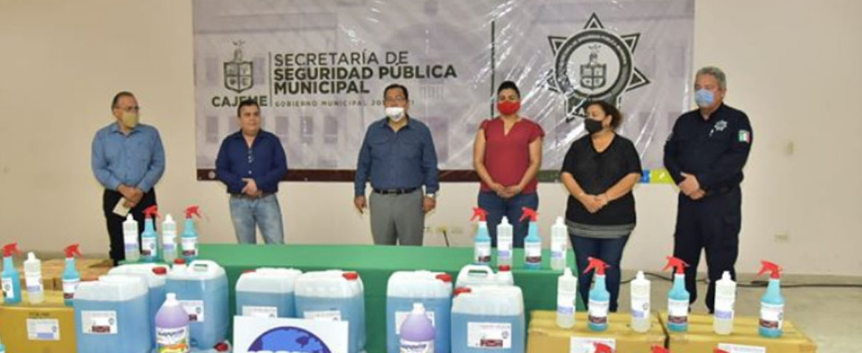 Brindan Mayor Seguridad A Policías Municipales Con Donación De Producto Sanitizante